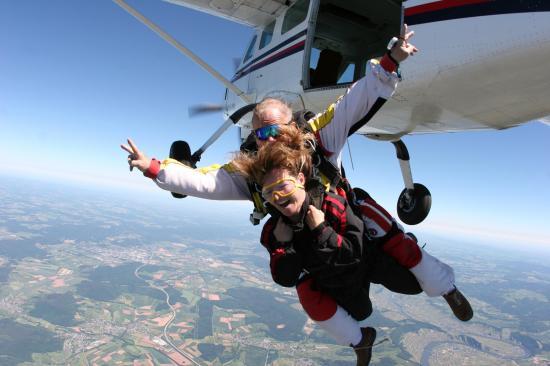 parachute tandem.jpg